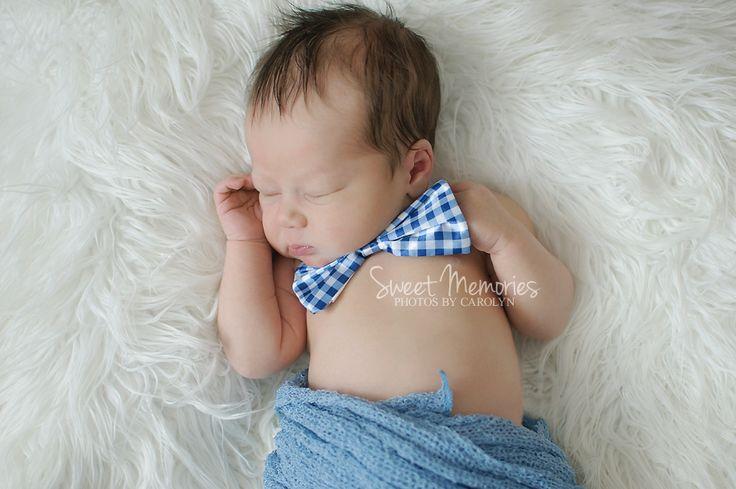 Sweet memories photos by carolyn bucks county yardley pa newborn photographer baby with bowtie