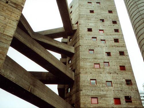 Lina Bobardi, Sao Paulo, amazing concrete work. Artchitecture