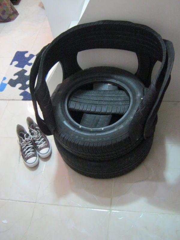 Poltrona de pneus R$150.00