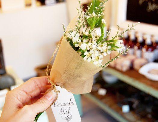Love this idea! Wild flower bouquets.