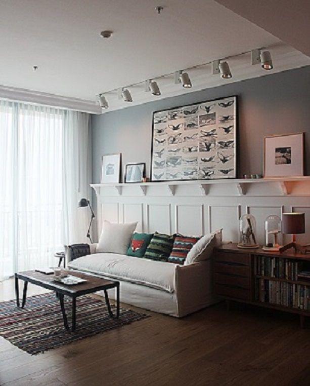 Lantai parket untuk ruang tamu yang hangat | Portofolio By : DX Interior (Interior Designer di Sejasa.com)