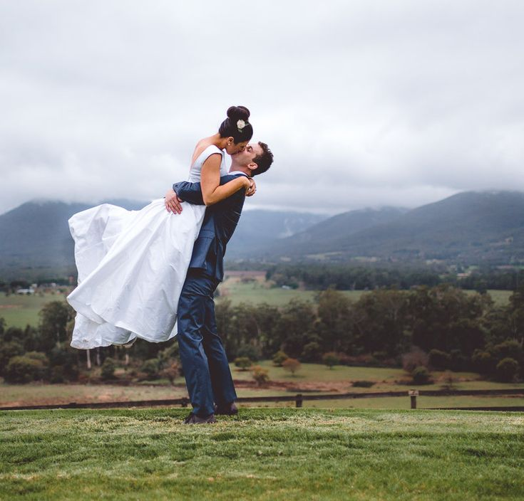 Jas & Paul Wedding Photo By Ivory & Olive Photography and Design at Riverstone Estate | Yarra Valley