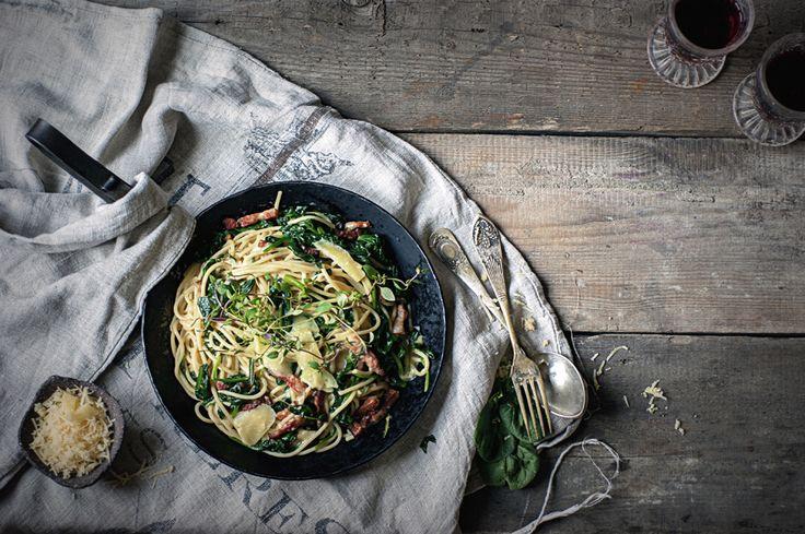 na krachym spodzie: Czosnkowe spaghetti ze szpinakiem boczkiem, parmez...