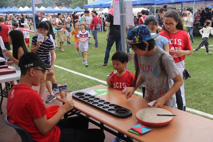Game of Congkak @Hongqiao's Int. Food Fair (Oct, 2015) #scishongqiao #scis #IFF #shanghai