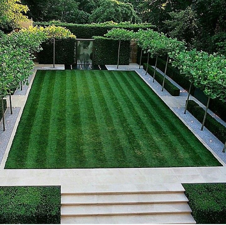 Very clean lawnscape... good ideas here for helping to shape up small lawn...