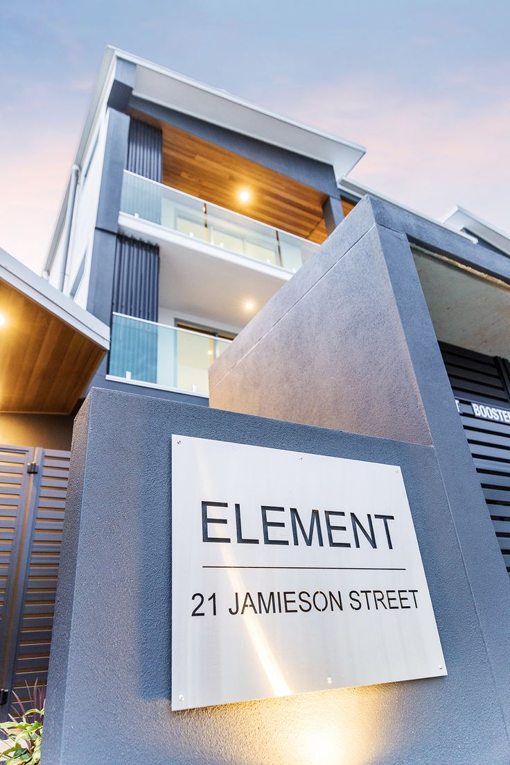 BULIMBA 2/21 Jamieson Street... Newly constructed, this stylish and contemporary apartment captures the essence of relaxed and low maintenance living, right in the heart of Bulimba.  A perfect choice for executive couples, downsizers or even investors seeking a quality residence, it occupies a highly sought-after position, a short walk from vibrant Oxford Street.