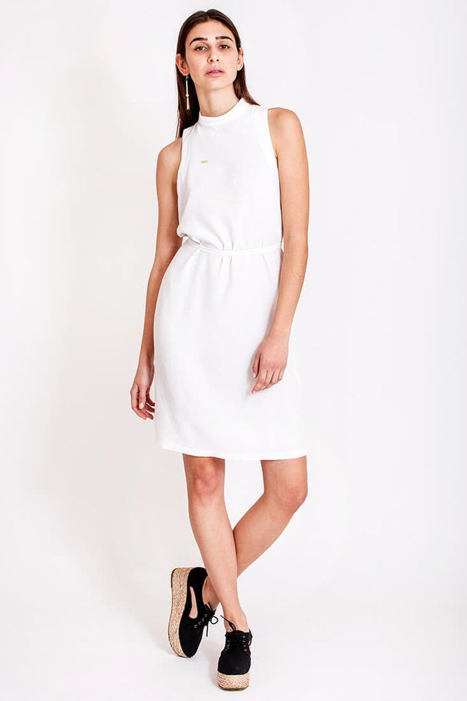 White comfy dress by Dott. Just hanging out in the sunny weather, walking with your best friend, having a laugh in the cozy outdoor café and enjoying life, feeling that it doesn't get any better than this? For such an occassion we recommend a comfortable dress, yet totally fashionable. This white dress from the collection Otherwise is ideal for these fabulous days.   €135.00 REPIN TO YOUR OWN INSPIRATION BOARD
