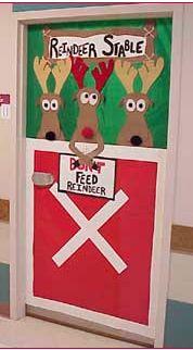 reindeer-door-decoration-bulletin-board