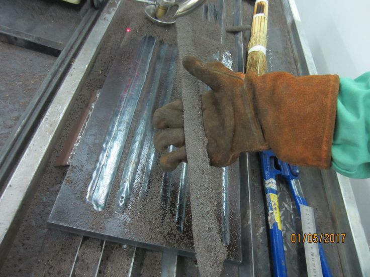 """Submerged Arc Welding. Twin arc. Wire diameter is 1.6=0.063"""". Bead width is 1 inch. Thickness is 3.2mm."""