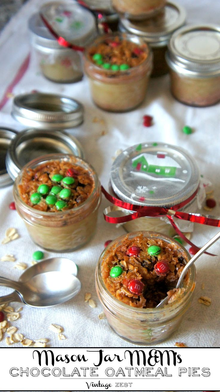 Looking for a homemade holiday gift idea? Look no further than these Mason Jar Chocolate Oatmeal Pies with M&M'S!