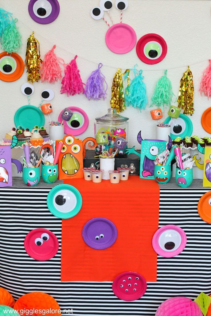Motto Kindergeburtstag Colorful Monster Mash Halloween Party Monster Party Pinterest