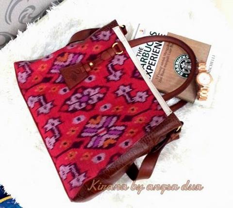 same likes Samudera Kirana, this bag (lovely kirana) inspired by Bali Nature. Made from kain tenun endek, Bali's traditional fabric.