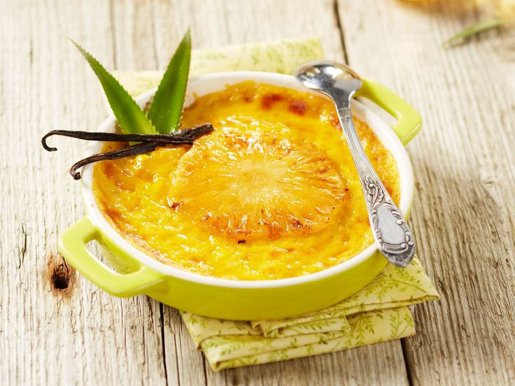 Découvrez la recette Clafoutis à l'ananas rapide et facile sur cuisineactuelle.fr.
