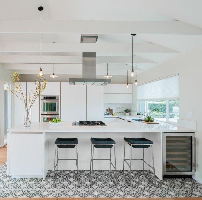 Schüller-Musterküche Grifflose Messeküche mit Kristallweiß matten - ideen für kleine küchen