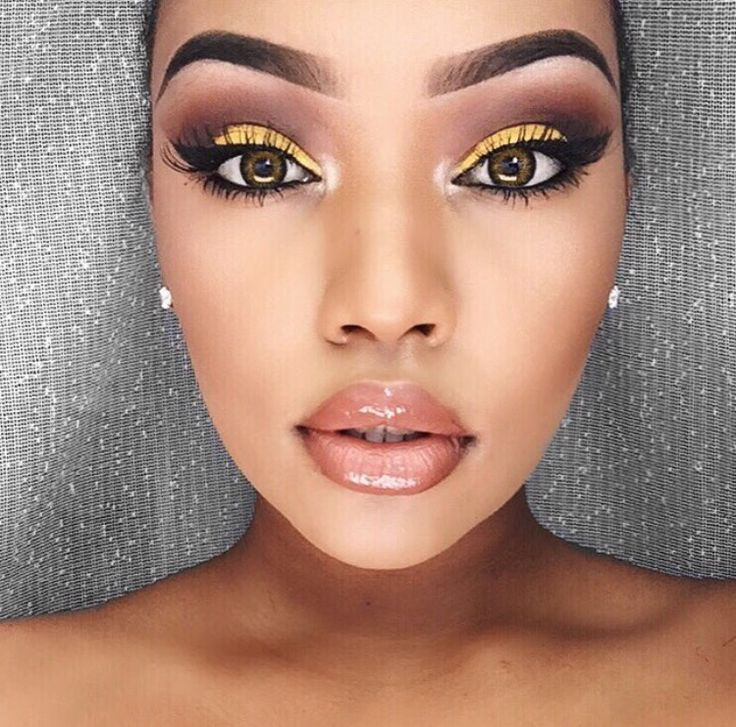 pinterest: amiiity whoaaaa just look at the eye makeup! i'm so jealous of people who can do this