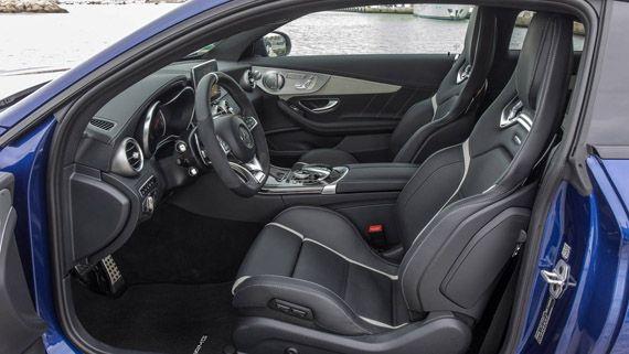 Салон, водительское место Mercedes-AMG C63 S Coupe 2017 / Мерседес-AMG C63 S купе 2017