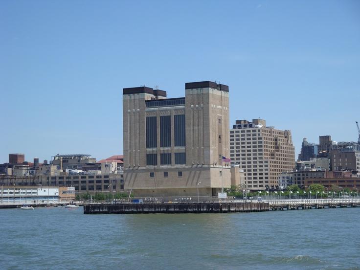 Navegando en el Est River