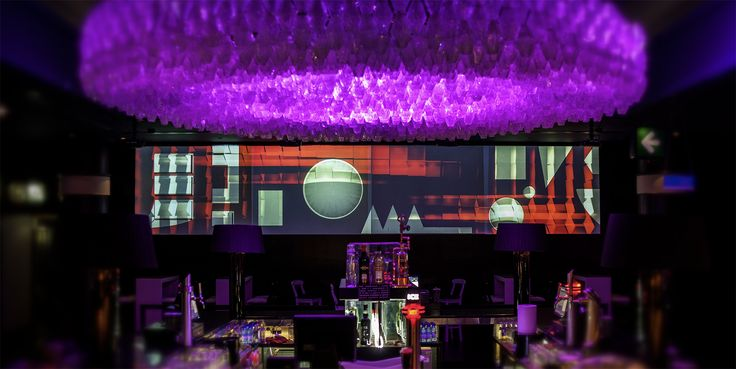 Terroir - Little preview of the visuals I've created for Jézebel - Discoteca video installation @ Oskar & Gaspar #terroir #gustavo #roseira #visuals #video #mapping #installation #motion #graphics #jezebel #oskargaspar
