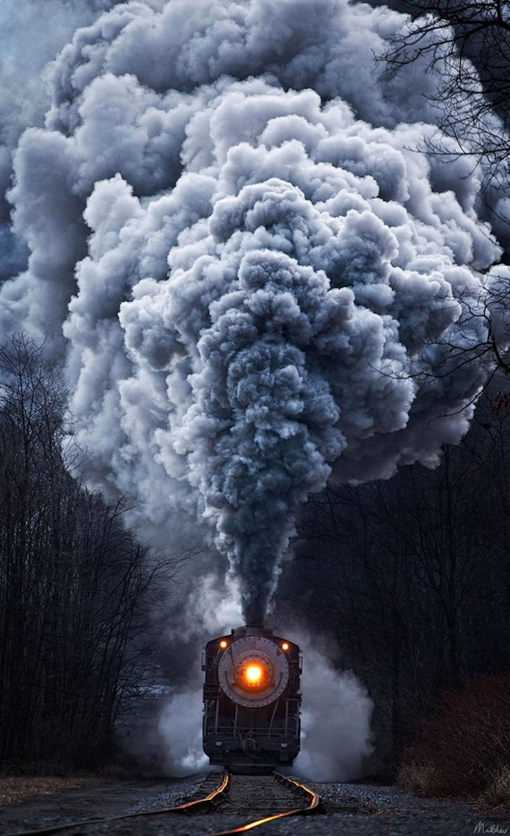 Stunning Train Photos Show Powerful Locomotives in Beautiful Settings