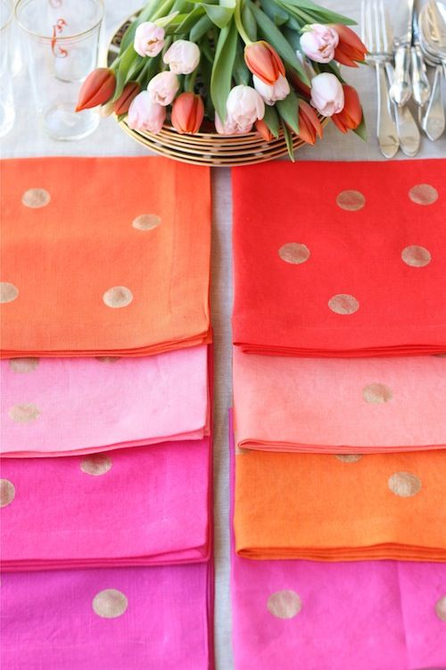 DIY: Confetti Napkins (but on paper napkins instead of cloth)