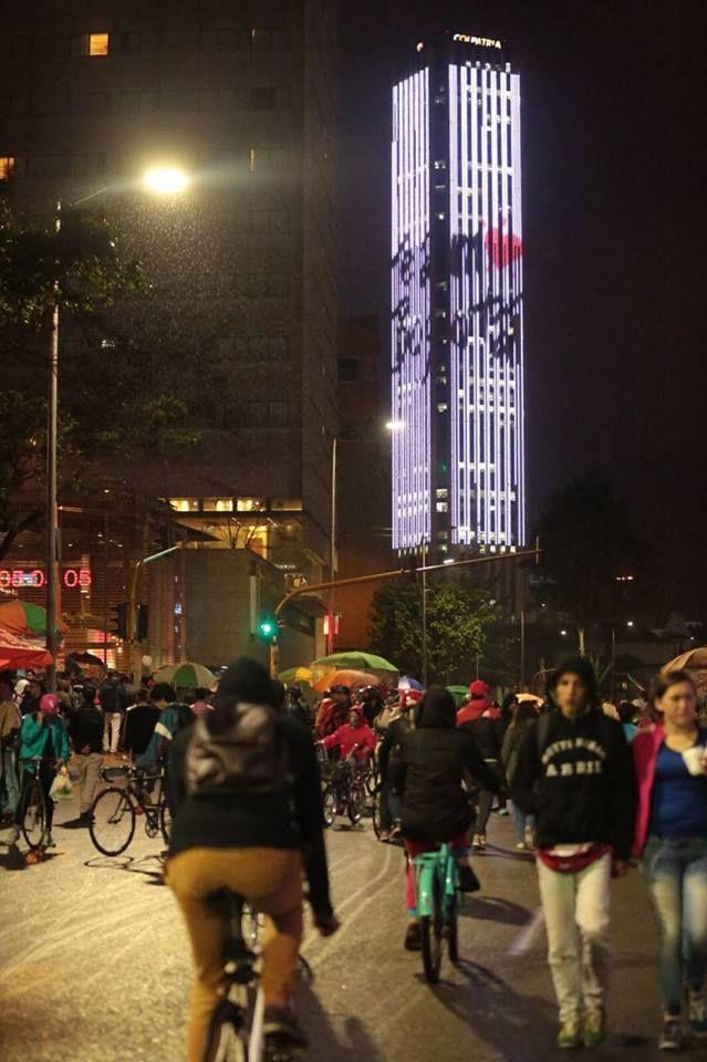 Ciclovía nocturna. Bogotá