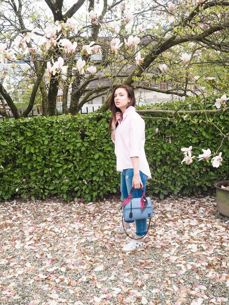 Dallas fashion blogger style; Zara pink button down, ripped denim, Marc Fisher sneakers, Louis Vuitton Cluny BB
