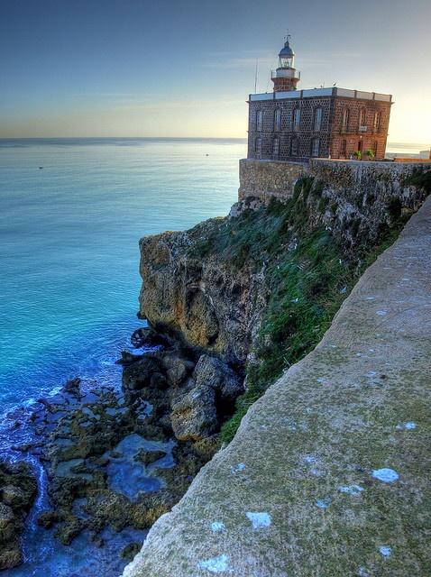 Faro de la Ciudad Aut. de Melilla . ESP.-