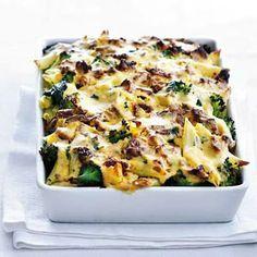 Ovenpasta met broccoli & spinazie - Recept - Allerhande - Albert Heijn - http://www.ah.nl/allerhande/recepten/674364/ovenpasta-met-broccoli-spinazie#
