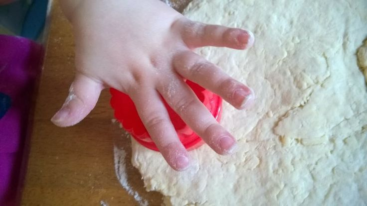 Baking with toddlers, Easy cheese scones!