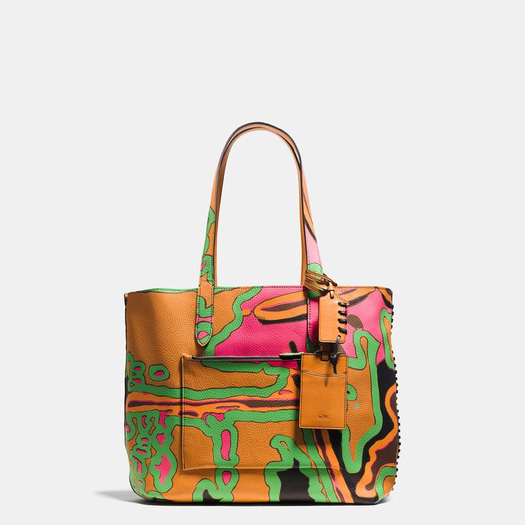 Coach Singapore Official page RIP AND REPAIR SMALL REVERSIBLE TOTE IN SPORT CALF LEATHER