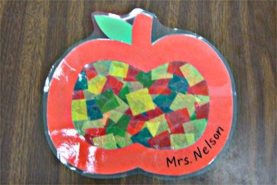 Tissue Paper Apples: Apples Art Kindergarten, Apples Ideas For Kindergarten, Apples Crafts, Kindergarten Apples Projects, Kindergarten Apples Ideas, Johnny Appleseed, Apples United, Stained Glasses, Apples Activities