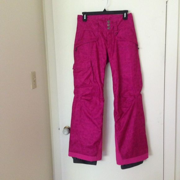 Patagonia Ski Pants , Hot Pink , size: XS (0-2) Patagonia Ski Pants , color: Hot Pink , size: XS fits size 0 to size 2 , a little wear and tear on the back of the feet (shown in the last picture) otherwise in great condition , additional photos available Patagonia Pants