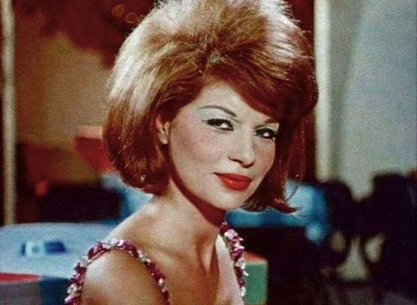 Ελληνίδα ηθοποιός, που μεσουράνησε στη μεγάλη οθόνη στις δεκαετίες του πενήντα και του εξήντα. Η Ανδρονίκη Κούλα, όπως ήταν το πραγματικό της όνομα, γεννήθηκε τον Ιούνιο του 1939...