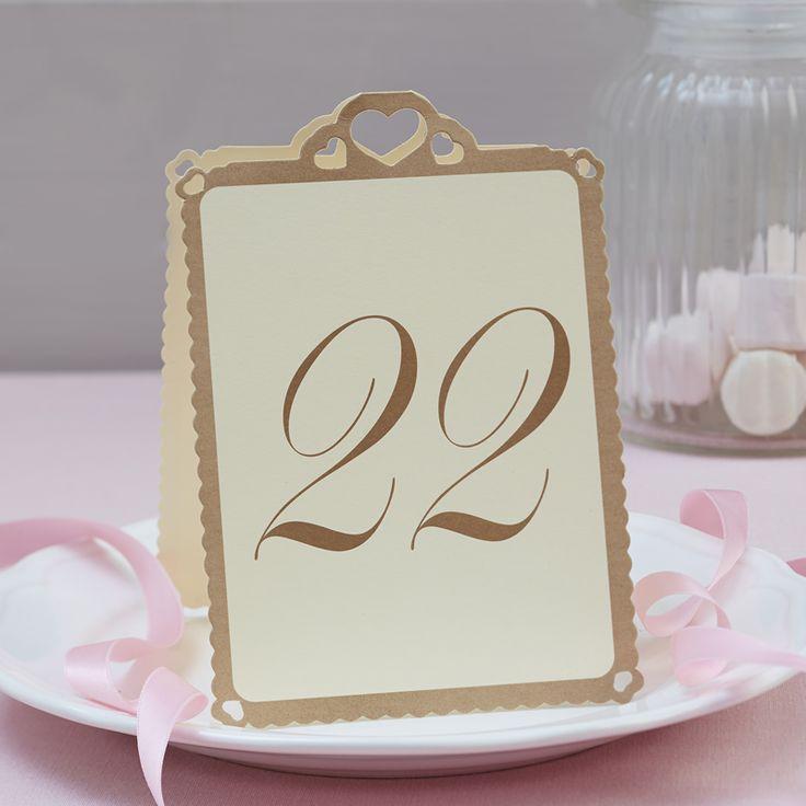 Numéros pour vos tables de mariage de 13 à 24 - Forme Coeur - Décoration Mariage - Ajoutez la parfaite touche finale à votre salle de réception avec ces élégants numéros de table en papier kraft et carte ivoire. - http://shop.yesidomariage.com/produit/numeros-tables-mariage-13-24-forme-coeur-decoration-mariage/
