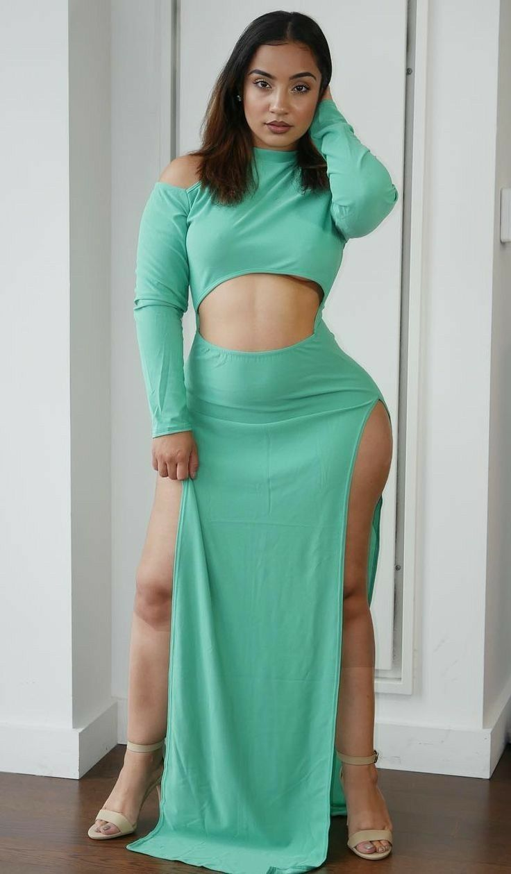 3ff7fd53dcf Pin by Maria Santos on Curves In Dresses in 2019