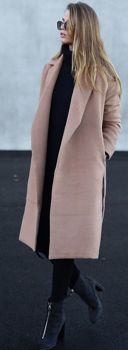 Josefin Ekstrom Dusty Pink Long Cozy Coat Fall Streetstyle women fashion outfit clothing stylish apparel @roressclothes closet ideas