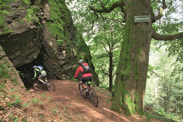 Mountainbiken Thüringer Wald mitten in Deutschland. by oberhoftourismus, via Flickr