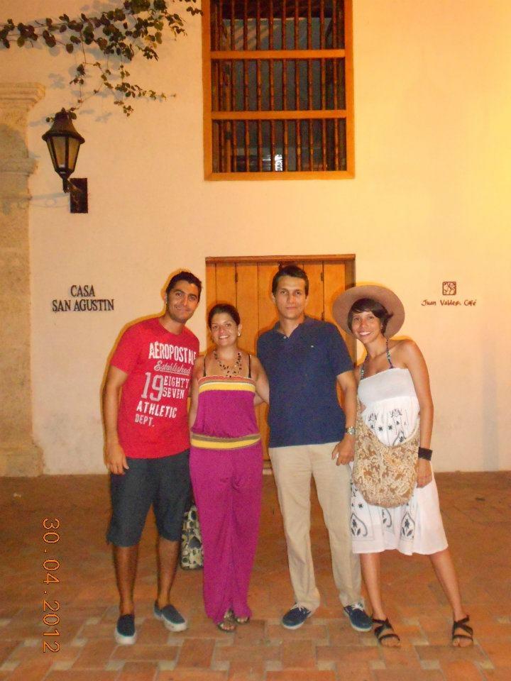Angie, Carlos y Paula (Cali-Colombia) @ Juan Valdez