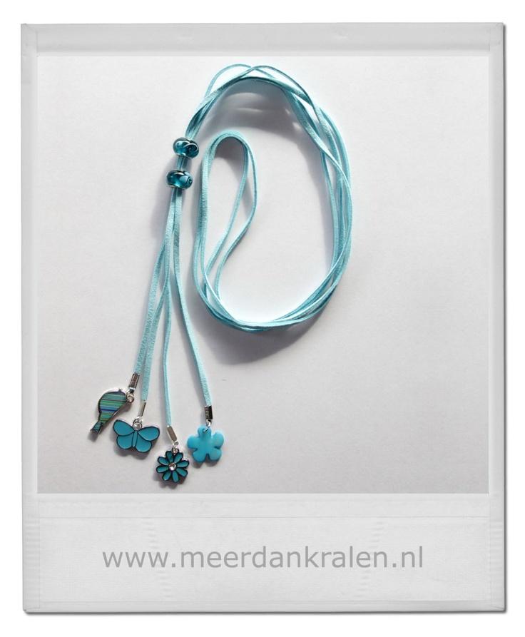 Nieuwe inspiratie! Lichtblauwe veterketting, geïnspireerd op het voorjaar, bloemen, vogel en vlinder... sieraden