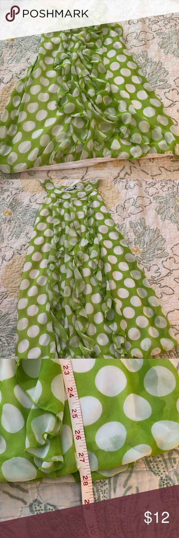 Cute Dress Green and white polka dot dress  Polyester  Size small  In good condition  Perfect for spring 🐣 Dresses