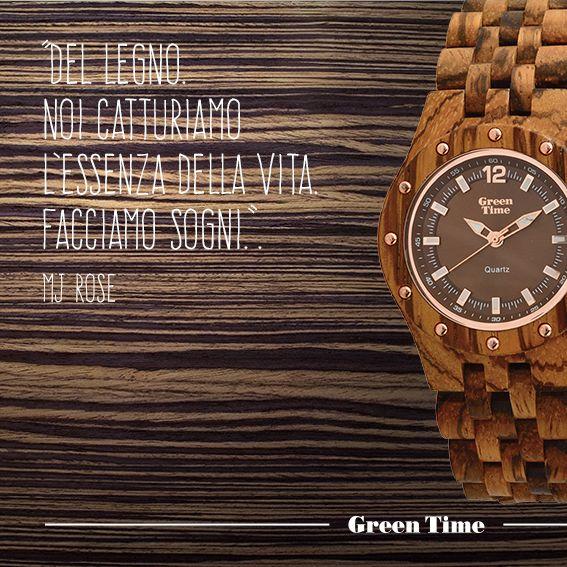 Zebrano. Conferisce un aspetto inconfondibile ai nostri orologi in legno. Il nome deriva dalle caratteristiche linee chiare e scure che ricordano il manto di una zebra. L'albero cresce in tutta l'Africa Equatoriale, particolarmente in Camerun e nel Gabon. Scopri gli orologi #GreenTime in legno 100% naturale