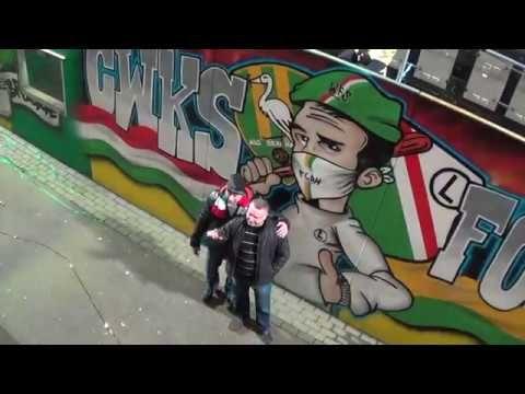 ADO - Twente Sfeer in het stadion met Legia 24 Feb 2017. #ADOtwe - Heel mooi sfeer. De Legia supporters great! Legia-Den Haag! 1-1 gelijkspel. Malone zeker goed. Goede strijd.   Win een boek van Ed Slier Northside.nl Herinneringen aan het Zuiderparkstadion- kijk het filmpje hoe! Meer info on het boek - http://ift.tt/2lDNNDl 5 gratis boeken van ED!  #FCDenHaag Thank you #Legia supporters. Respect to Legia (#ADO - #Twente Sfeerfilmpje