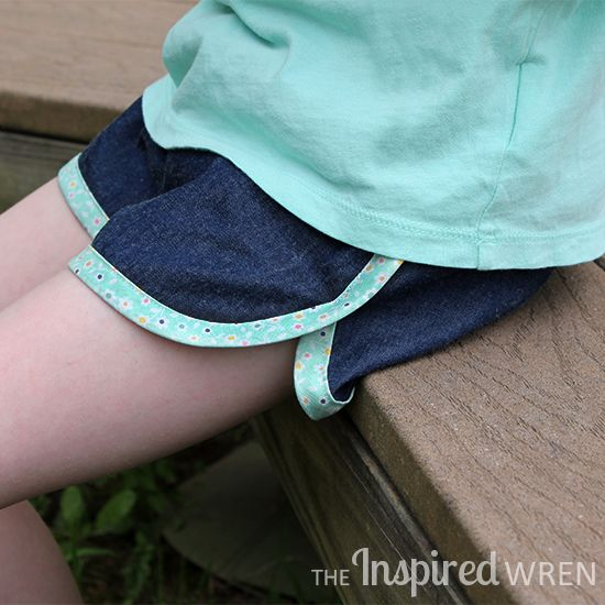 Love the free City Gym Shorts for All Ages sewing pattern from The Purl Bee!   The Inspired Wren