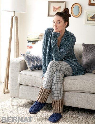 Как связать носки тапочки крючком? Они просто необходимы в прохладные и холодные вечера. Носки-тапочки согреют ваши ноги.