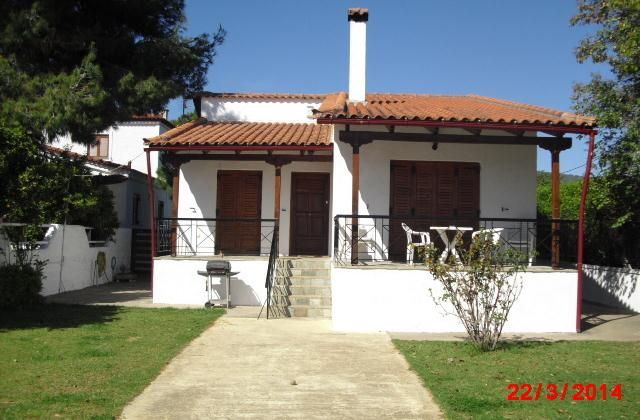 3 Bedroom Villa in Politika to rent from £745 pw. With balcony/terrace, Log fire, air con, TV and DVD.