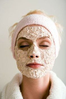 oatmeal face mask for super soft, smooth skin