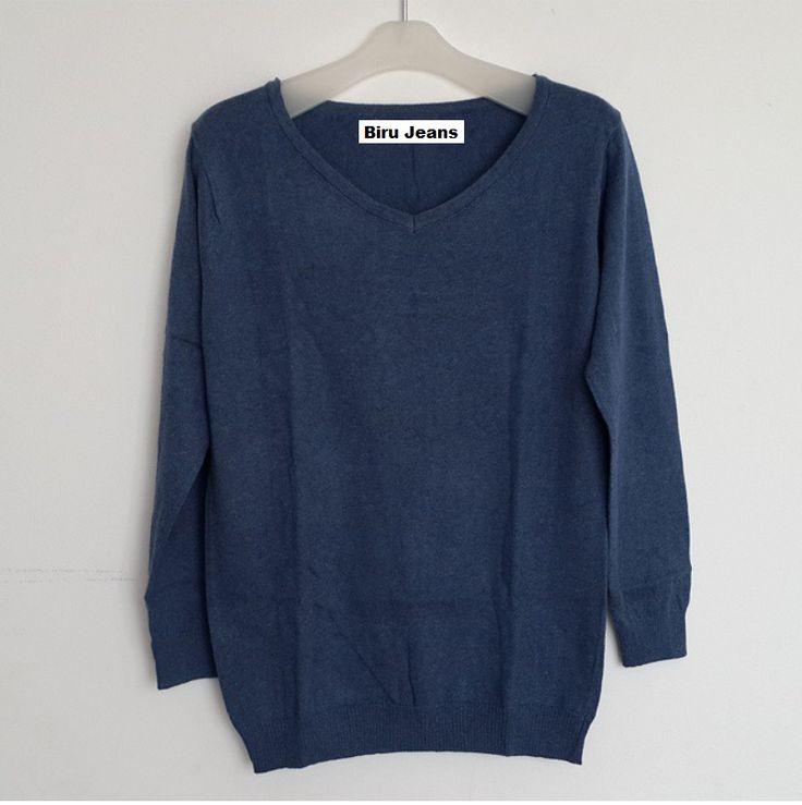 #Sweater Polos Import Lengan Panjang Vneck (B084) ~ 116ribu. Warna : Biru jeans #Bahan rajut. Ukuran : One Size/All size. Fit sampe ukuran L (LD = 94cm, Pjg baju 65cm)