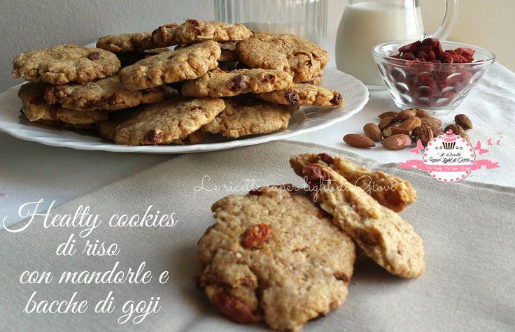 Healthy cookies di riso con mandorle e bacche di goji | Le ricette super light di Giovi