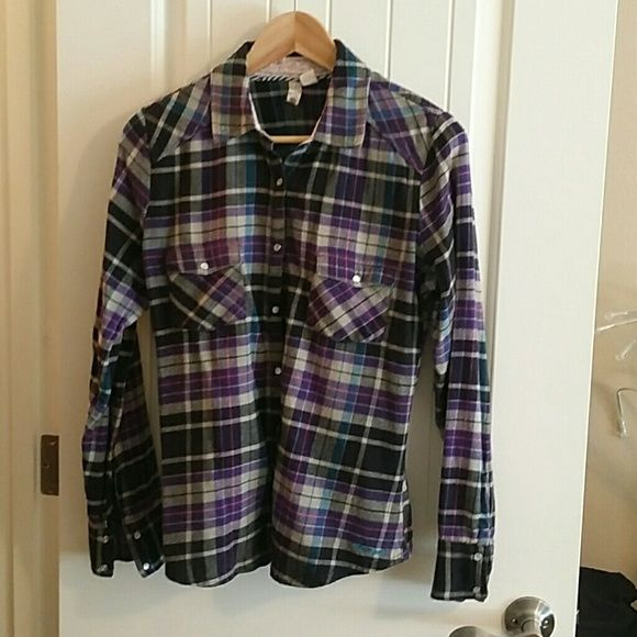 Grey purple and black flannel shirt Long sleeve and snaps element Tops Button Down Shirts