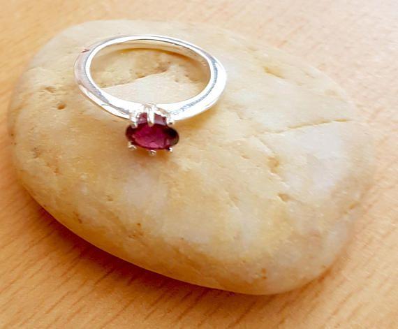 Hey, I found this really awesome Etsy listing at https://www.etsy.com/uk/listing/507835326/garnet-silver-ring-genuine-garnet-ring